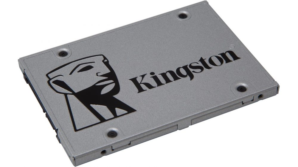 Kingston SSDNow UV400 480 GB väcker liv i en gammal gaming laptop